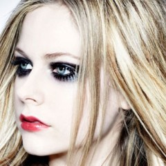 Is This Avril Lavigne's Worst Look Ever?