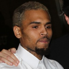 Chris Brown Enters Rehab