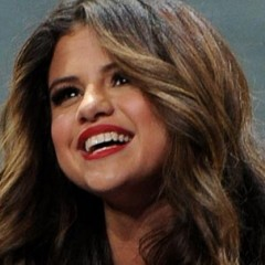 Selena Gomez Reveals Why She Keeps Her Life Private