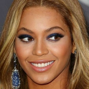 Beyonce Photoshops Her Own Instagram Photo