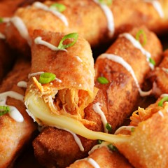 Buffalo Chicken Mozzarella Logs Are The Best Of Both Worlds