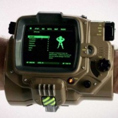 Fallout 4 Inspired Pip-Boy Won't Support Plus Sized Smartphones