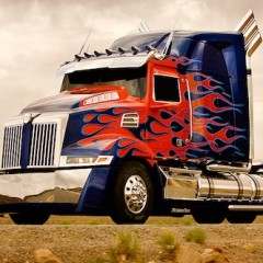 Michael Bay Unveils the New Optimus Prime