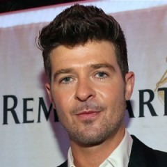Controversial Picture Surfaces: Is Robin Thicke Cheating?
