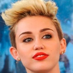 Miley Cyrus Accidentally Butt Tweets A Very Personal Convo