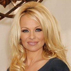 Pamela Anderson to Run NYC Marathon